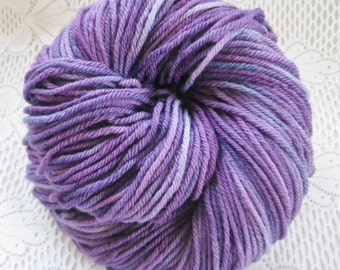 BLUSHING GRAPE - Hand Dyed Organic Merino Yarn, 4 ounces, 210 yards, Soft Merino Hand Dyed Yarn, Indie Dyed Worsted Weight Purple Yarn, Knit