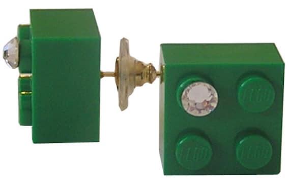 Dark Green LEGO (R) brick 2x2 with a Diamond color SWAROVSKI crystal on a Silver/Gold plated stud