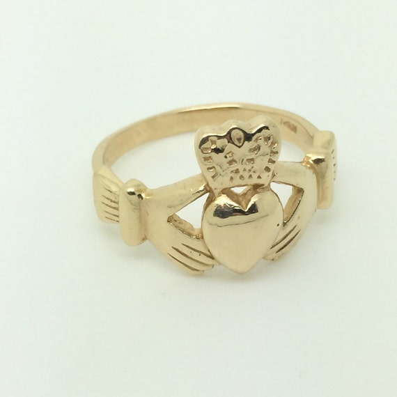 large s claddagh ring in 14k yellow gold