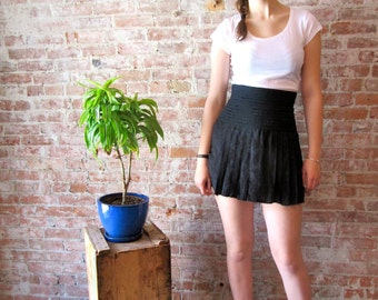 1980s Vintage Black Silk Skirt - Wayne Clark - Silk - Pleated - Mini Skirt - quilted Waist -