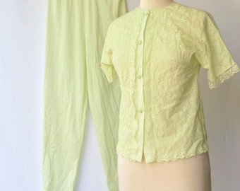 Pastel Green Vintage 1960s Nylon Pajamas / PJ Set  -- Small / Petite