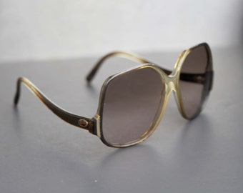 Rayban Sunglasses for Women 70's Vintage B&L RAY BAN Oversized Bug Eye Squares Sunnies Brown Marbled Rootbeer with Pale Brown Lenses