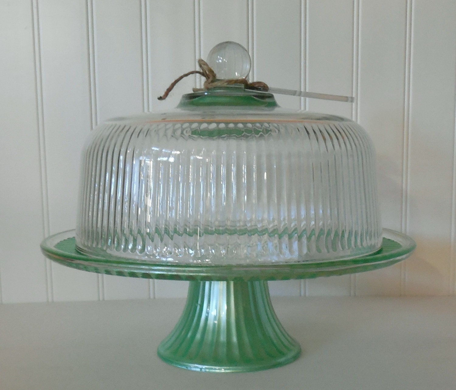 cake stand and dome mint green vintage glass cake stand. Black Bedroom Furniture Sets. Home Design Ideas