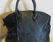 Vintage leather handbag. black, with lock and key, near mint condition, Italy.