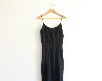 Perfect Minimal Black 90s Midi Dress