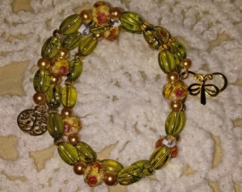Beautiful Green and Gold Memory Wire Bracelet (E 385)