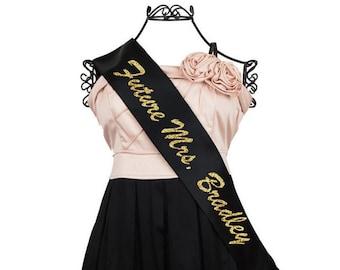 Future Mrs Sash, Bachelorette Sash, Bride to Be Sash, Glitter Sash, Hen Party Sash, Customizable Sash F8