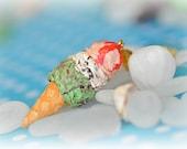 Triple Ice Cream Necklace - Polymer Clay Ice Cream - Strawberry - Vanilla/Choco - Pistachio - Miniature Ice Cream