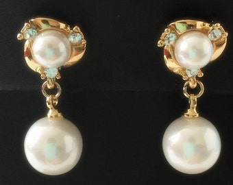 E008 Bride Bridesmaid Wedding Pearl Rhinestone Stud Earrings Post Earrings Pierced Earrings with 18-karat Gold Plated & Sterling Silver Post