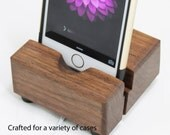 iPhone 6 / 6s Docking Station / iPhone Stand made from Walnut