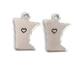 2x Silver Plated Minnesota State Charms w/ Hearts - M070/H-MN