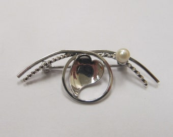 Vintage Sterling Silver Pin with Small Cultured Pearl Item W # 177