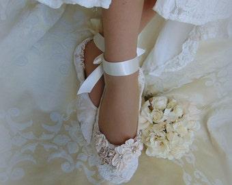 Bride Princess Ballet Slippers, Lace Bridal Flat Shoe,Lace Bridal Shoe, Lace Dance Shoe,  Lace Ballet Shoes, Elegant Lace Slipper