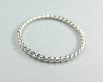 Twisted Ring, Argentium Silver Knuckle Ring, Thin Ring, Sterling Midi Ring, Twist Ring, Dainty Ring, Sterling Silver Ring