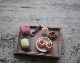 MAGNET/ Miniature Breakfast Tray with Bagels and Croissants