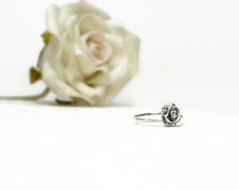 sterling silver flower ring, rose ring, elegant  ring, delicate ring, everyday jewelry, romantic