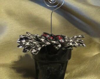 Black ceramic flower pot picture holder