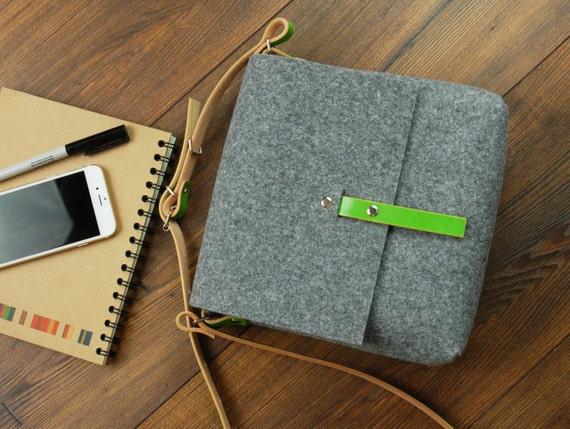 Petit sac FESTIVAL - bracelet cuir vert clair - Messenger - sac bandoulière - Felt Bag - POPEQ