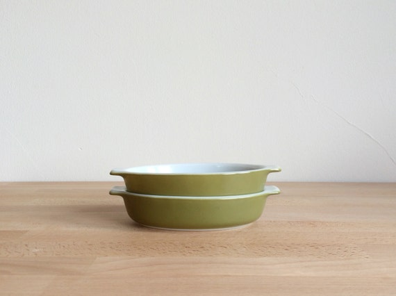 Items Similar To Set Of 2 Vintage Verde Green Pyrex Oval