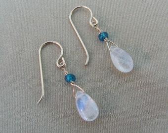 Rainbow Moonstone Earrings with London Blue Topaz, Moonstone Gemstone, 14K Gold Filled Earrings, Moonstone Jewelry, Wedding Jewelry