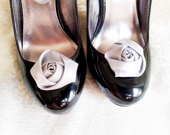 Handmade rose satin shoes clips in silver wedding prom accessory bridesmaid