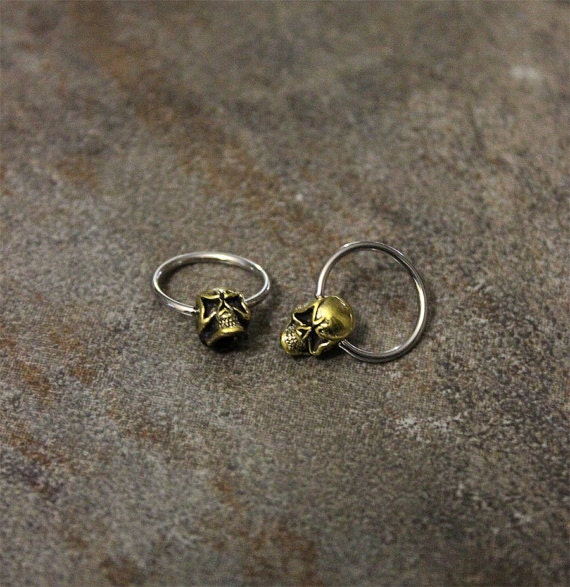 captive bead earrings skull hoop ring surgical steel captive bead earrings 6034