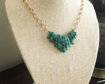 Genuine Stone Mini-Collar necklace, emerald color, bib necklace