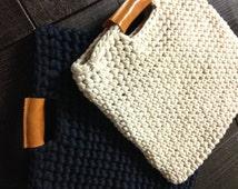 Chunky crochet bag with real leather handles, crochet case, trendy crochet bag, real leather and chunky crochet handbag,