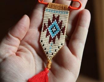 "Brooch ""Chimalis"" BEIGE style Native American"