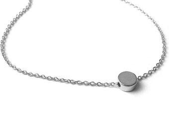 Mini Dot Bracelet / Tiny Charm Bracelet / Small Circle Jewelry / Minimalistic Jewelry / Dainty Everyday Jewelry / Jewelry Stores / B417a