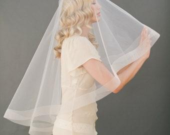 "2"" Horsehair Veil, Horse Hair Edge, Drop Veil, Circle Simple Bridal Veil, Wedding Veil, Champagne Bridal Veil, Fingertip Veil #1203-2"""