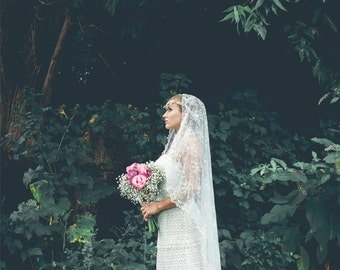 Boho Bohemian Bridal Veil -  Cascading Chantilly Lace Wedding Veil - Mantilla Veil - Long Lace Veil - Marrakesh