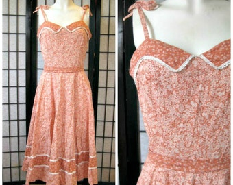 Vintage Sundress Floral 1970s Dress 35 Bust Peach Soft Light Copper Coral Beige White Cotton Circle Skirt Indie Peaches and Cream Calico