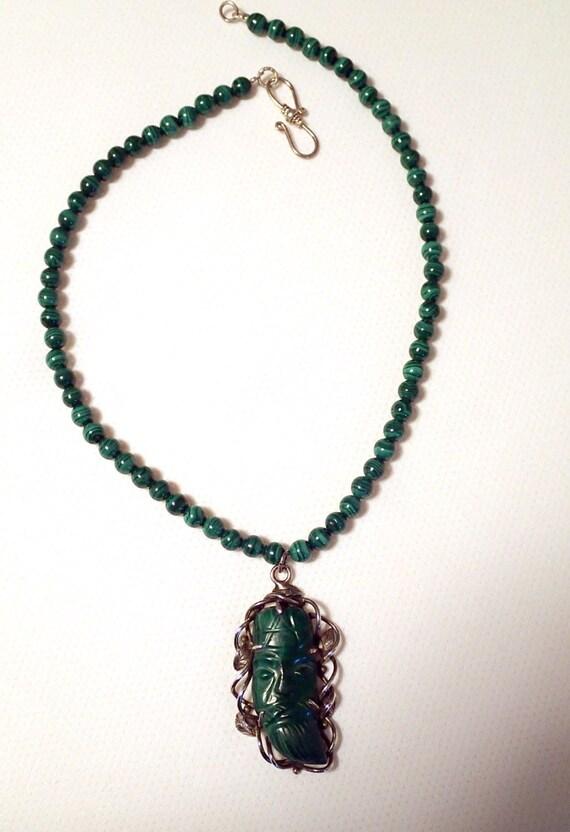 Malachite naturelle la main sculpt e vert homme pendentif - Vert de malachite ...