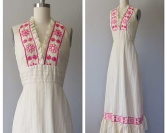 70s maxi halter dress size xs / vintage lace dress