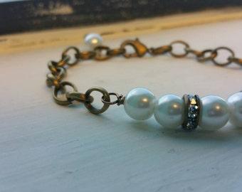 Pearl & Chain Bracelet