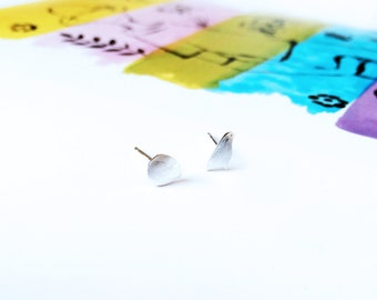Bird Egg Stud Earring 925 Silver Bird and Egg Earring Happy Easter Stud Earring Simple Fun Earring Cute Special Gift Ideal Gift for Easter