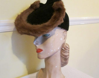 Outstanding Vintage 1940s 40s Tambourine Tilt Topper Hat with Mink Fur & Pleat Detail -Old Hollywood-WWII-Film Noir-Pinup-Bombshell-Art Deco
