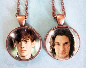 Choose from 10 images! - Narnia Pendant
