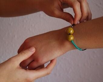 Mango. Porcelain bracelet.