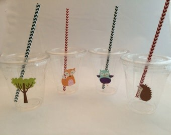 Plastic Cups with lids and straws: Woodland Theme Plastic Drink Cups with lids and straws