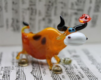 Handmade glass with cow Animals Glass, Art Glass, Blown Glass, Sculpture Made Of Glass, blown glass figurine