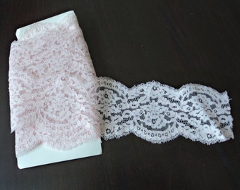 Vintage French pale pink lace trim  (X)