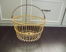 Wire Egg Collection basket - yellow wire basket - vintage rustic farmhouse decor - vintage decor chippy yellow paint rustic handle