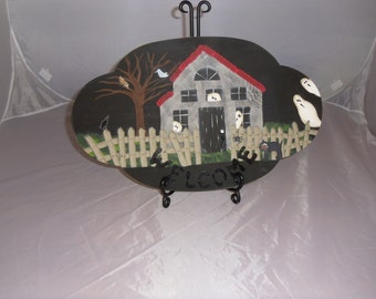 Halloween Haunted House Decrotive Wood Piece. Spiders/Ghost/Birds/Cats/Oh My! This looks great in a plate holder stand.