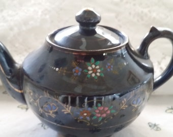 Teapot made in Occupied Japan
