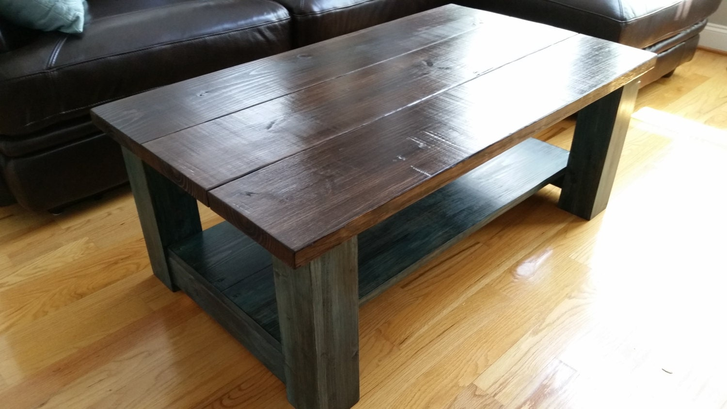 Handcrafted farmhouse coffee table Farmhouse coffee tables