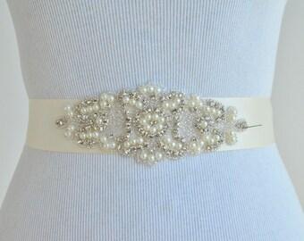 Wedding Belt - Rhinestone Crystal Bridal Belt. Beaded Wedding Sash. Rhinestone Belt. Wedding Dress Belt.
