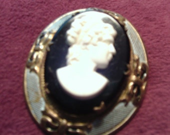 Free Shipping..Large Cameo Brooch
