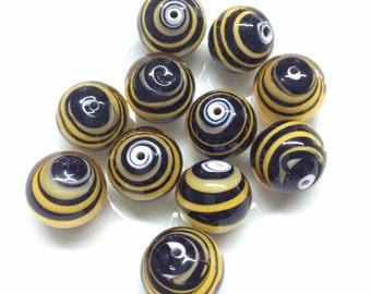 PEARL: 10 BRINDLE Murano glass beads tigrate.